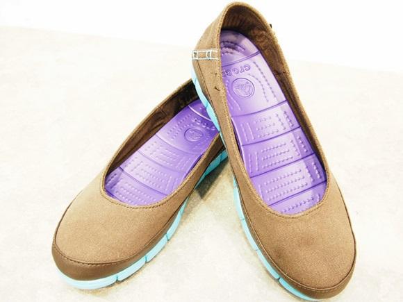 クロックスのストレッチ ソール フラット ウィメン crocs-stretch-sole-flat-w