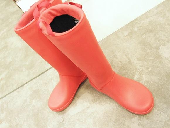 クロックスのレインフロー ブーツ ウィメンズ crocs-rain-floe-boot-w