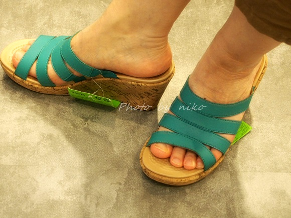 crocs-a-leigh wedge (1)