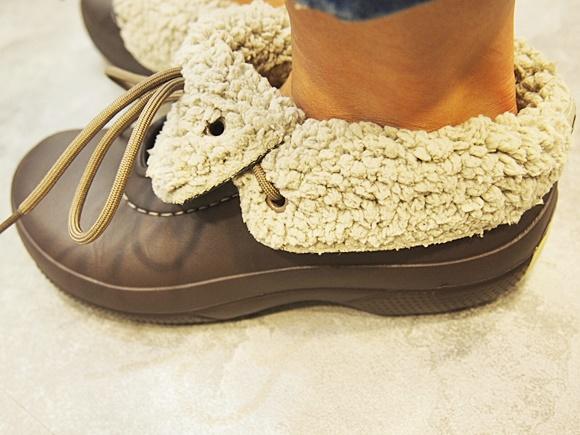 crocs-blitzen-luxe-convertible-clog (14)
