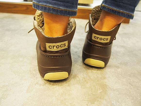 crocs-blitzen-luxe-convertible-clog (9)