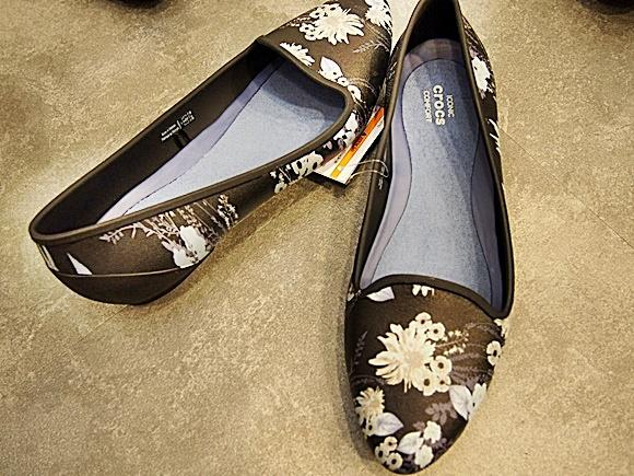 crocs-eve-flat-shoes-10
