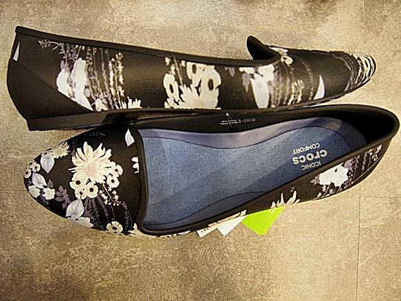 crocs-eve-flat-shoes-12