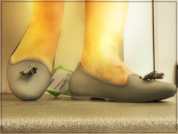crocs-eve-flat-shoes-16