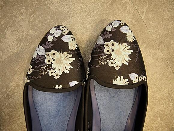 crocs-eve-flat-shoes-7