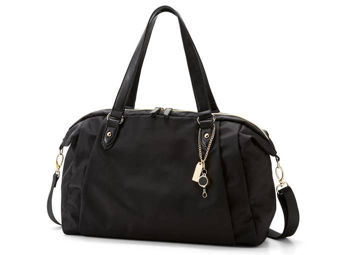 ことりっぷとコラボ 旅のプロのアイデアを詰め込んだ軽量バッグ 全体像